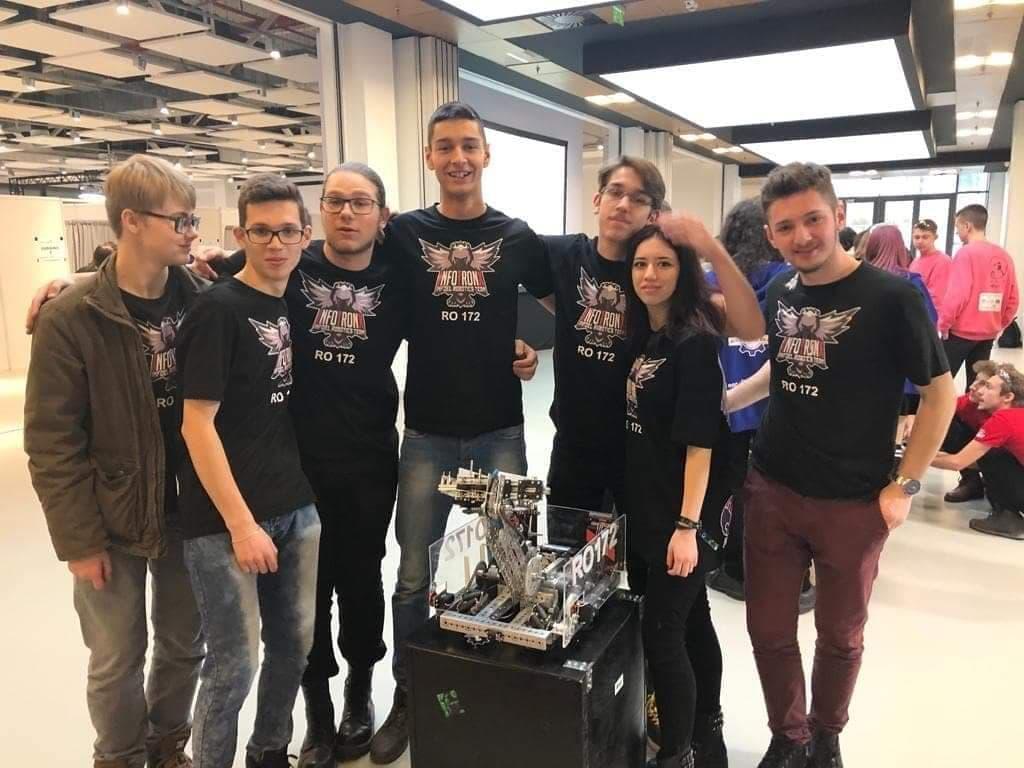 Echipa și Robotul